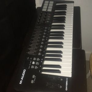 Used, M-AUDIO MIDI CONTROLLER OXYGEN 49 model for sale